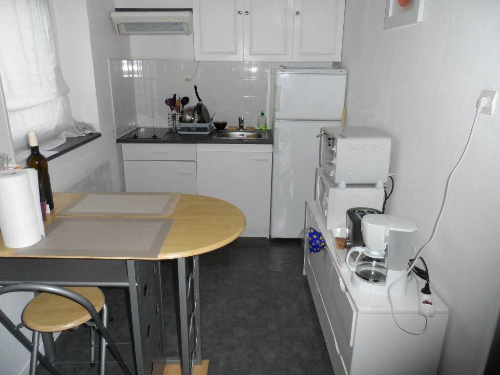 Appartement à louer 2 50m2 à Béthune vignette-2