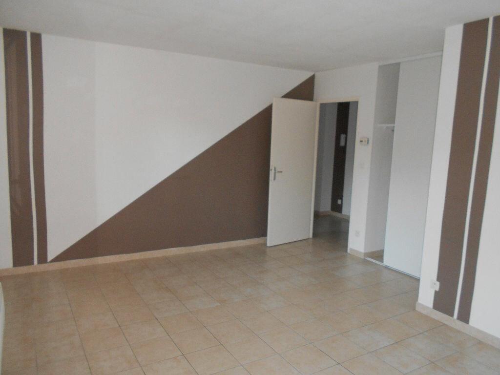 Appartement à louer 3 55m2 à Beuvry vignette-9