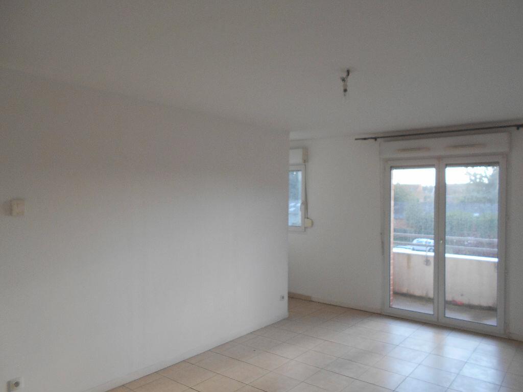 Appartement à louer 2 58m2 à Béthune vignette-2
