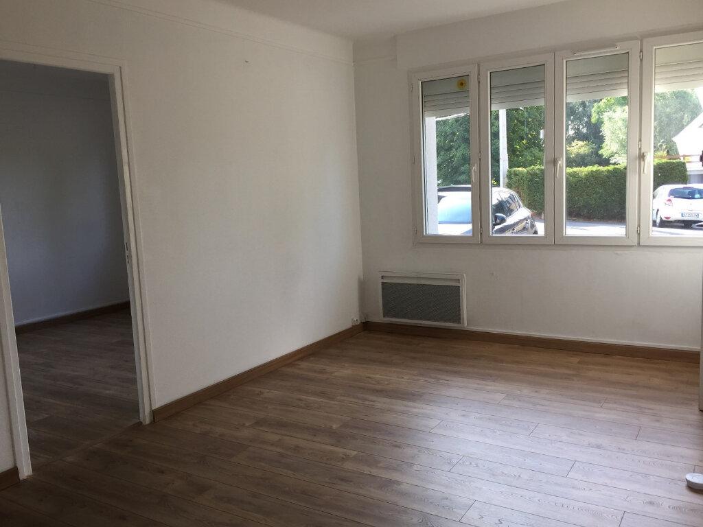 Appartement à louer 3 50m2 à Béthune vignette-1