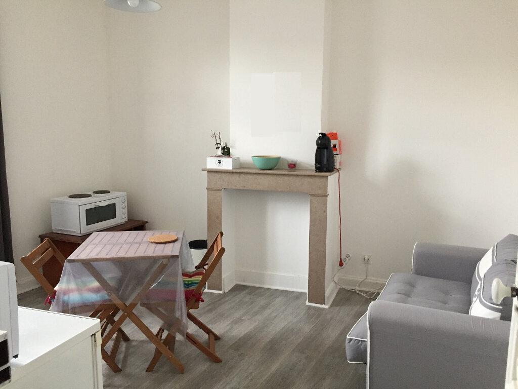 Appartement à louer 2 42m2 à Béthune vignette-1