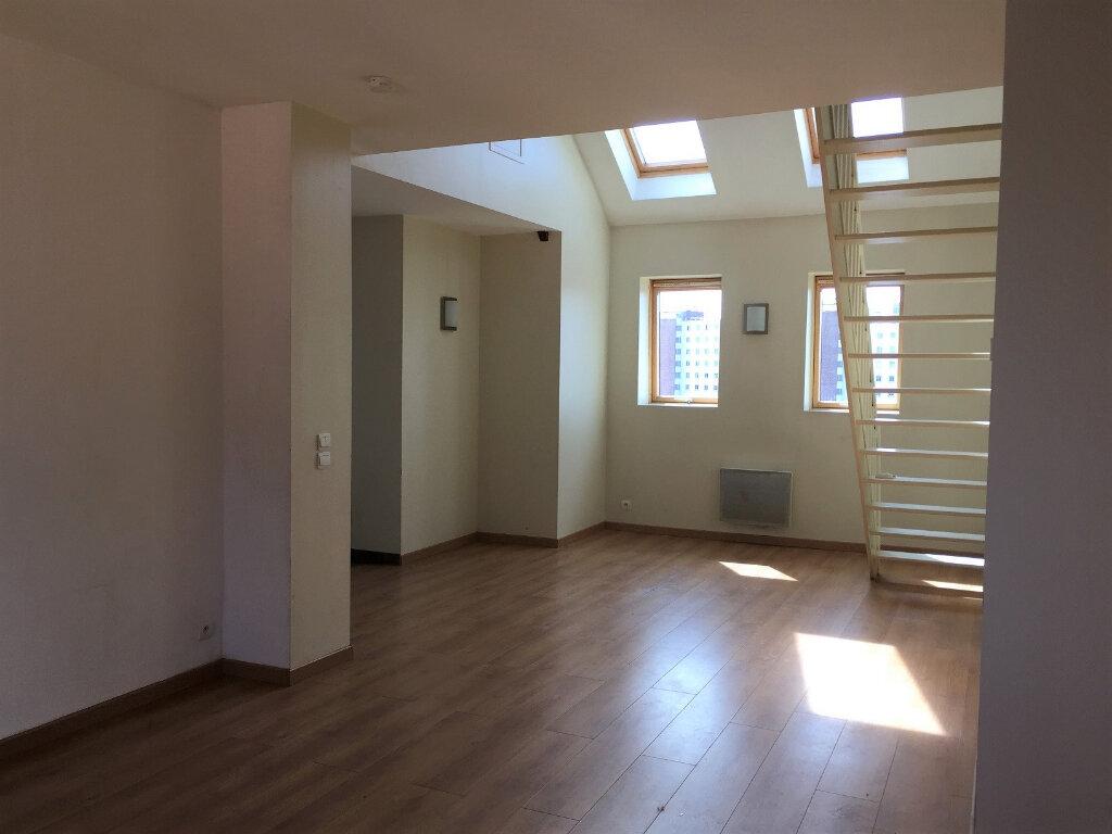 Appartement à louer 4 98.63m2 à Béthune vignette-1