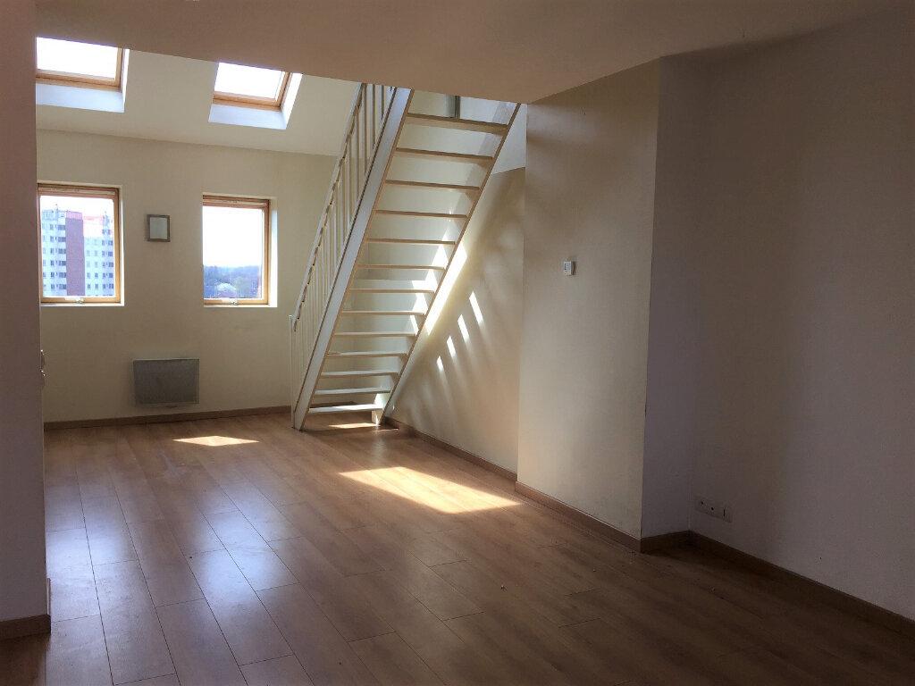 Appartement à louer 4 98.63m2 à Béthune vignette-2