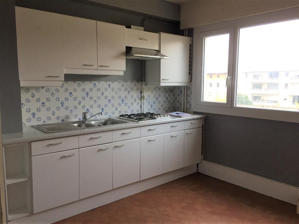 Appartement à louer 3 83m2 à Béthune vignette-2