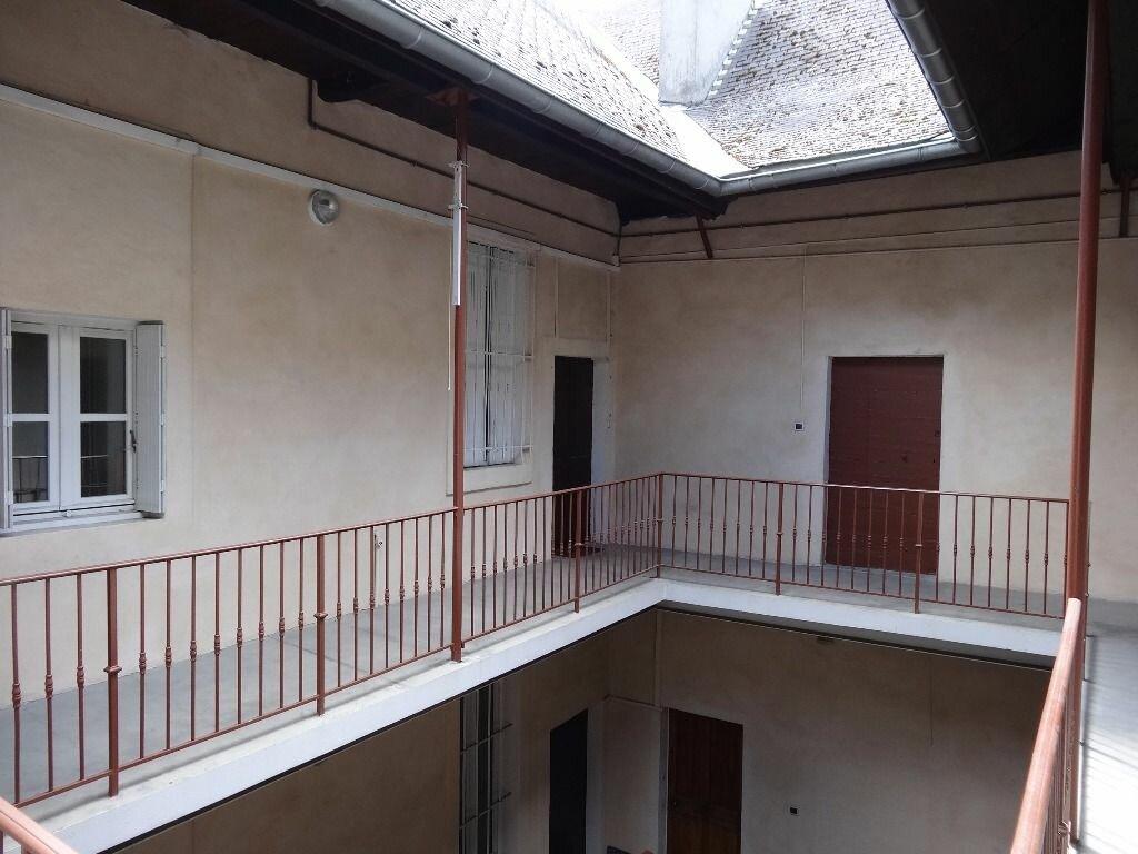 Appartement à louer 1 21.97m2 à Chambéry vignette-3
