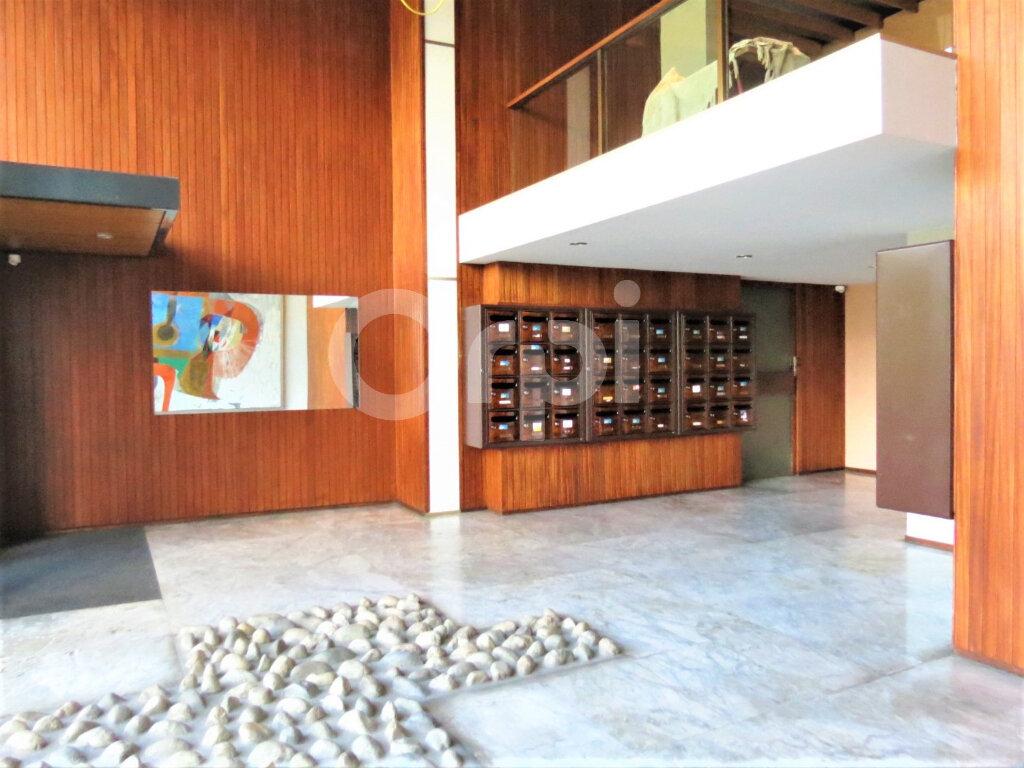 Appartement à louer 1 28m2 à Chambéry vignette-3