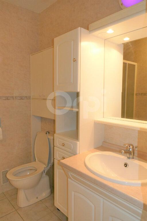 Appartement à louer 1 28m2 à Chambéry vignette-9