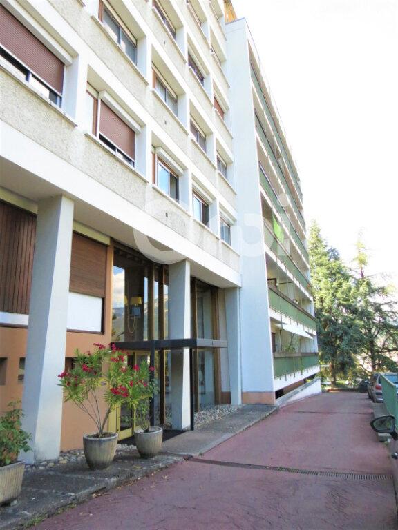 Appartement à louer 1 28m2 à Chambéry vignette-10
