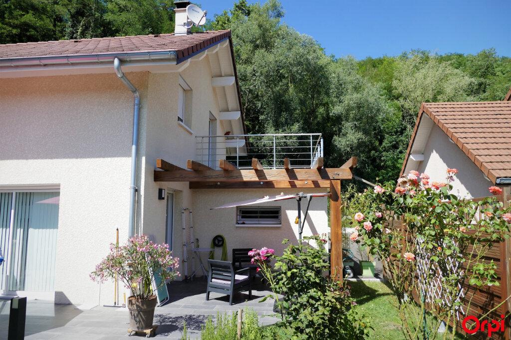 Maison à vendre 5 125m2 à Chambéry vignette-1