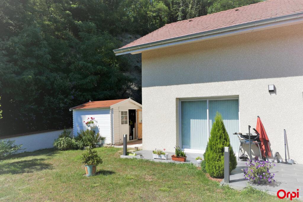 Maison à vendre 5 125m2 à Chambéry vignette-2