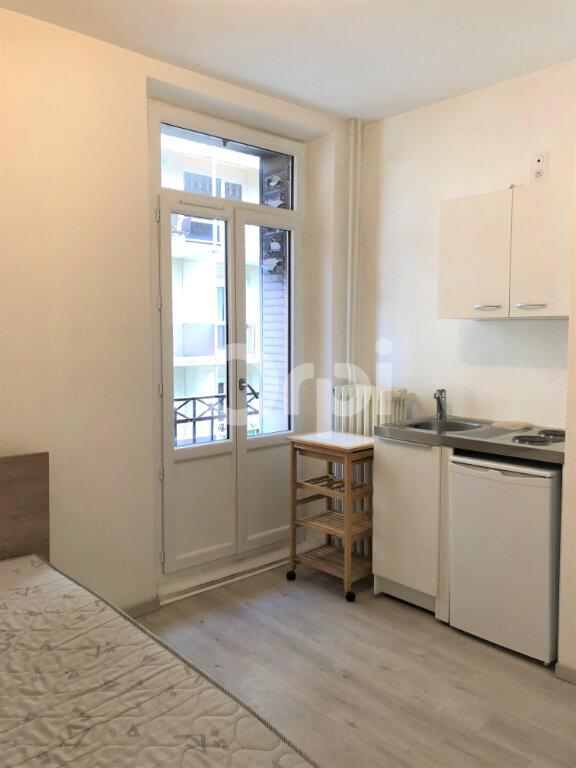 Appartement à louer 1 13.06m2 à Aix-les-Bains vignette-3