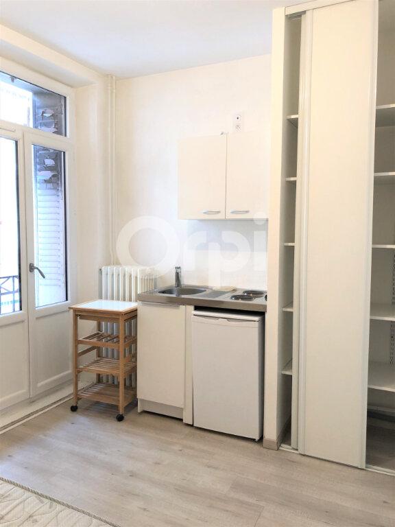 Appartement à louer 1 13.06m2 à Aix-les-Bains vignette-5