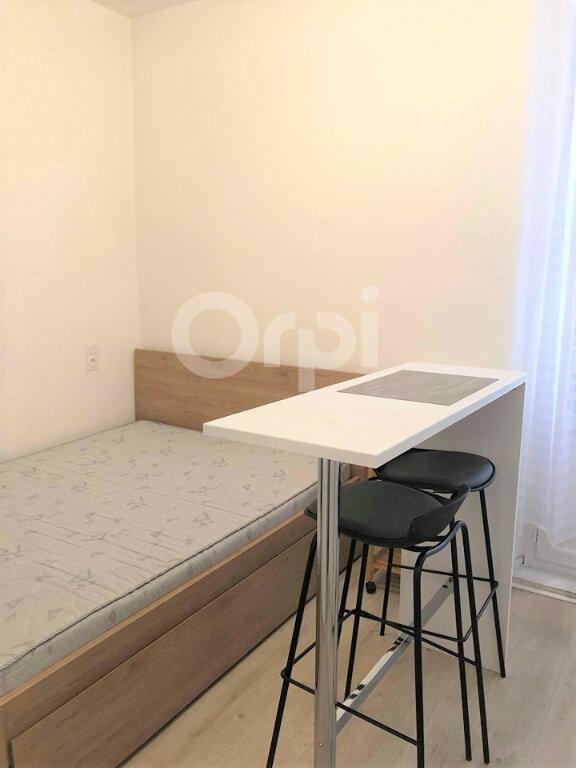 Appartement à louer 1 13.06m2 à Aix-les-Bains vignette-6