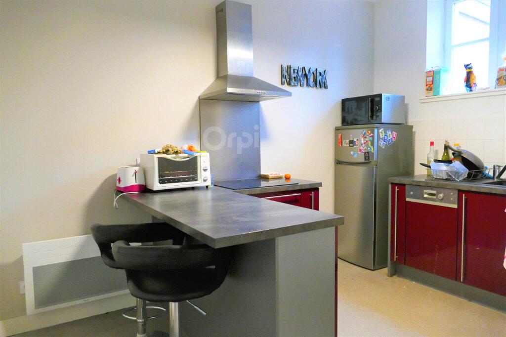 Appartement à louer 3 59.15m2 à Chambéry vignette-1