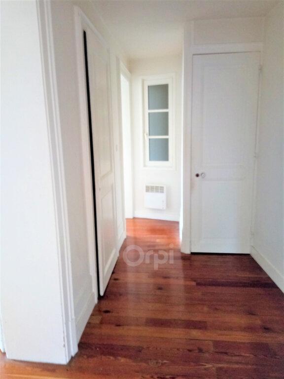 Appartement à louer 3 59.15m2 à Chambéry vignette-6