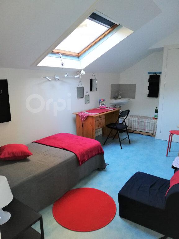 Appartement à louer 1 6.93m2 à Chambéry vignette-1