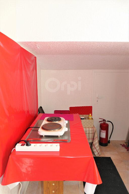 Appartement à louer 1 6.93m2 à Chambéry vignette-3