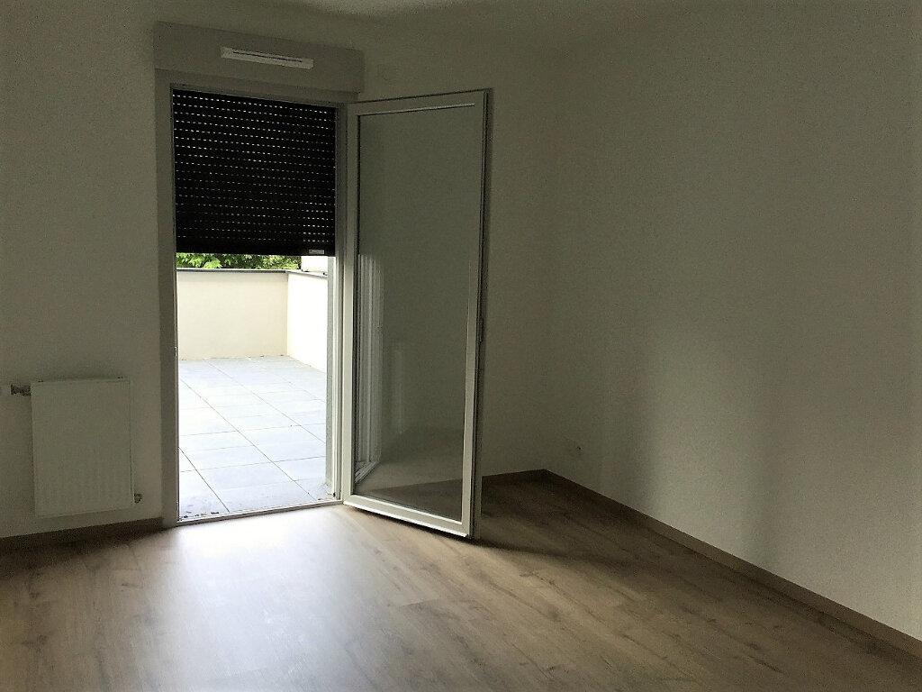 Appartement à louer 3 65.93m2 à Aix-les-Bains vignette-5