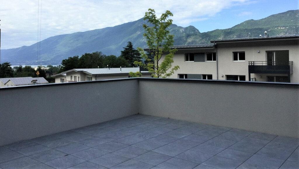 Appartement à louer 3 65.93m2 à Aix-les-Bains vignette-10