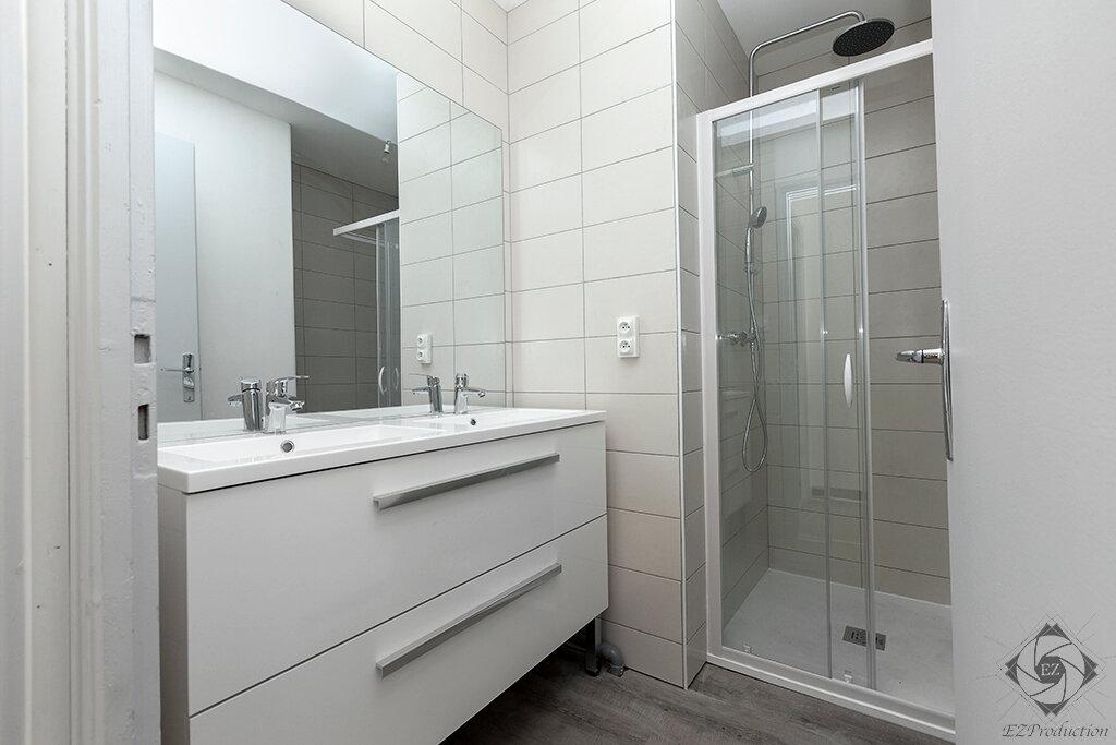 Appartement à louer 1 13.63m2 à Chambéry vignette-3