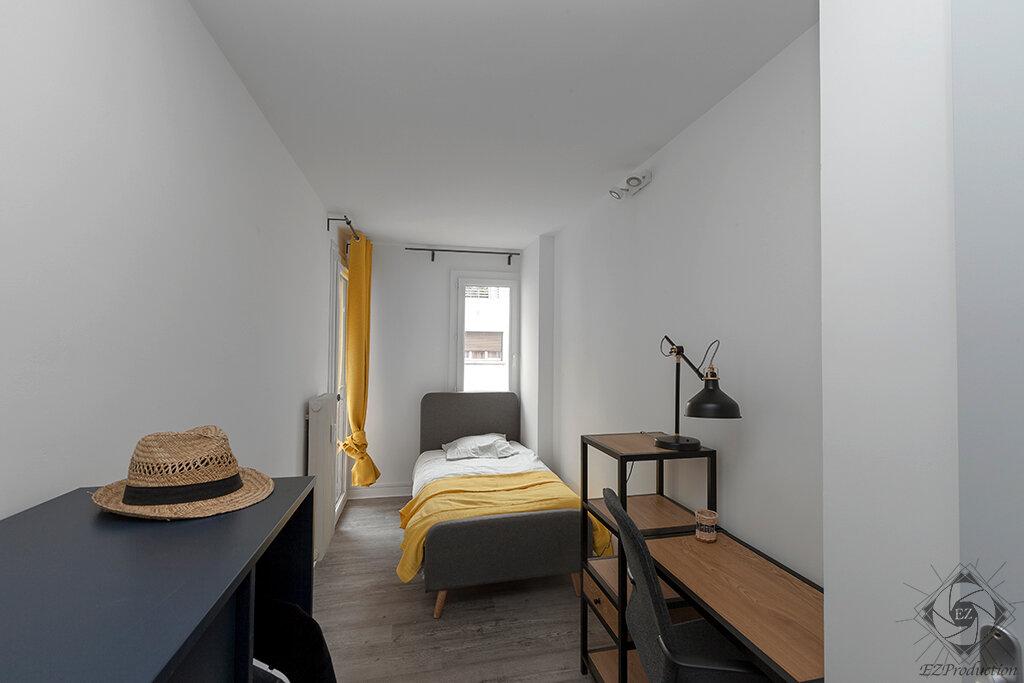 Appartement à louer 1 9.01m2 à Chambéry vignette-1