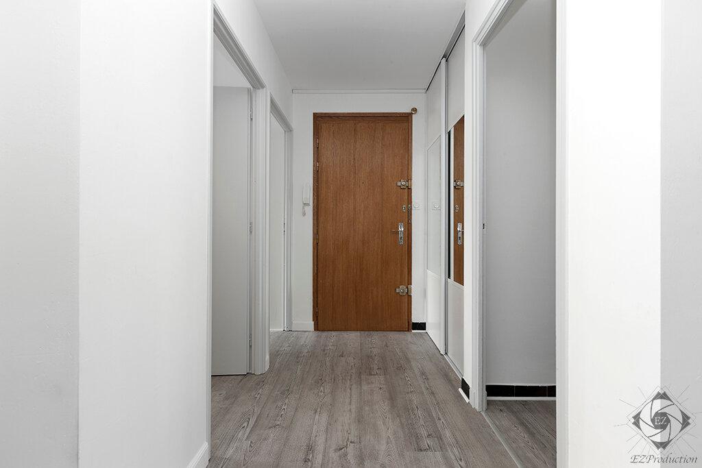 Appartement à louer 1 9.01m2 à Chambéry vignette-3