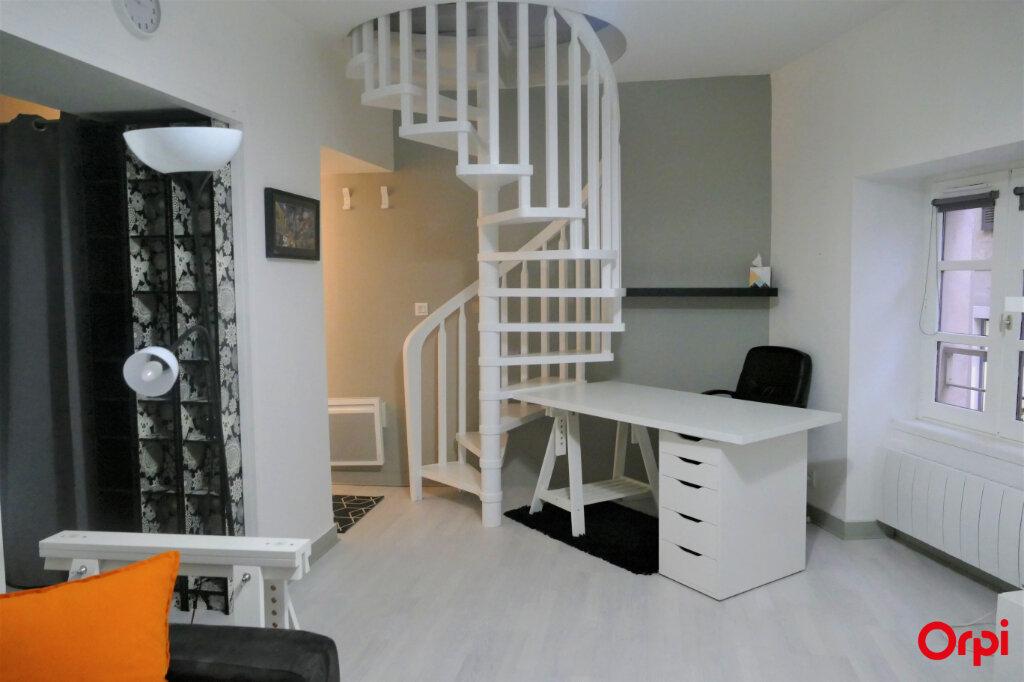 Appartement à louer 2 59m2 à Chambéry vignette-1
