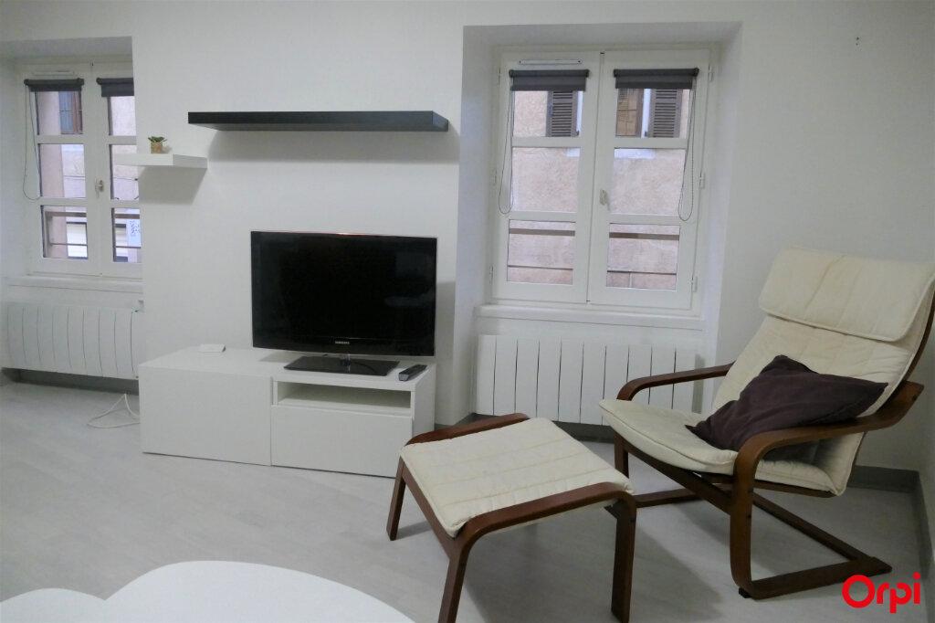 Appartement à louer 2 59m2 à Chambéry vignette-5