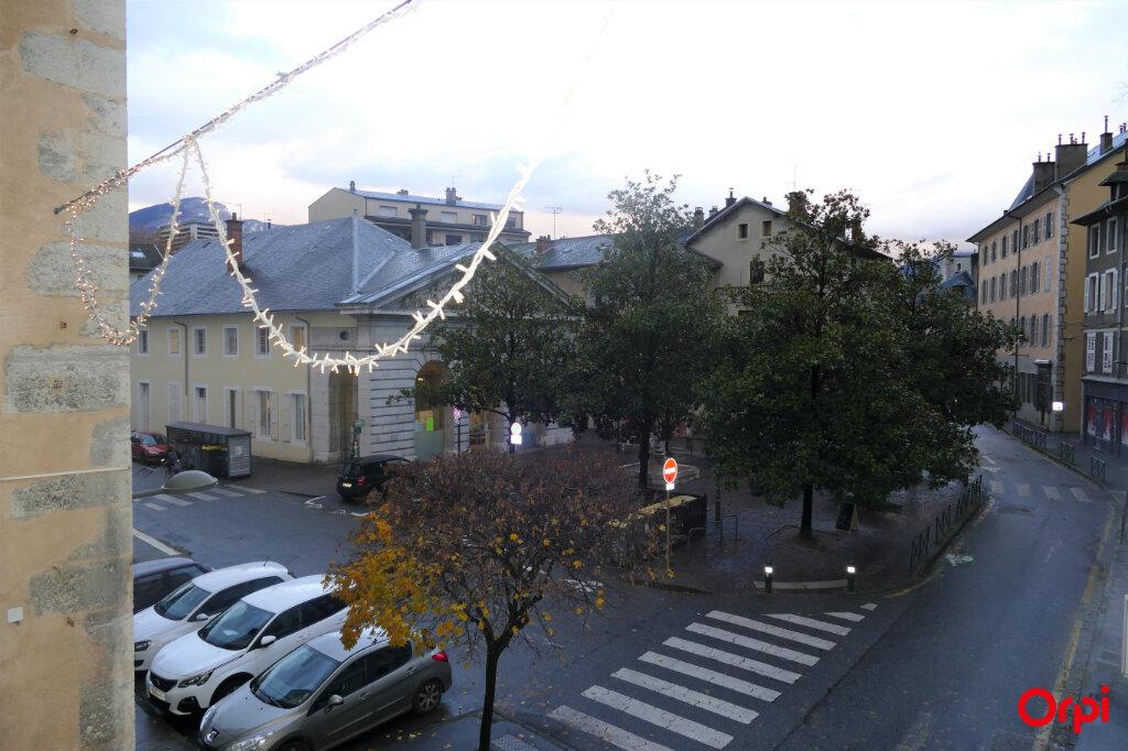 Appartement à louer 2 59m2 à Chambéry vignette-9