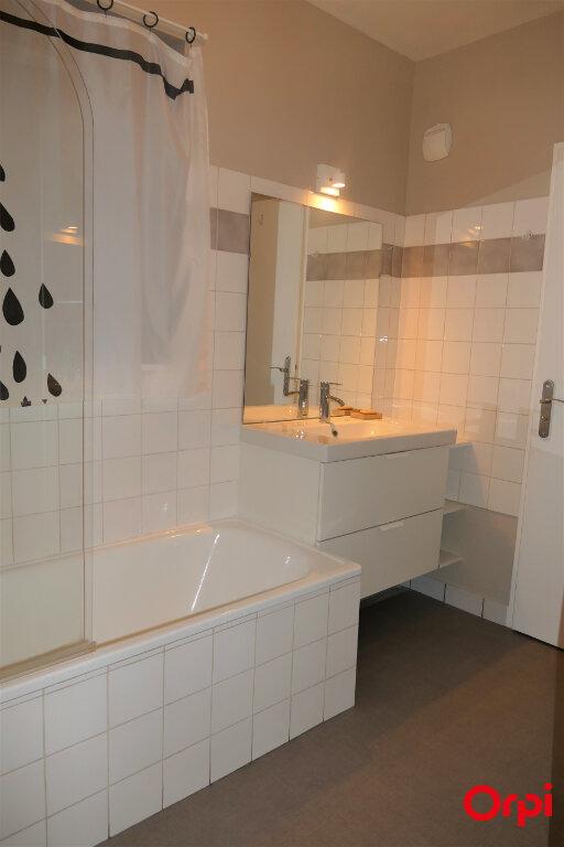Appartement à louer 2 59m2 à Chambéry vignette-13