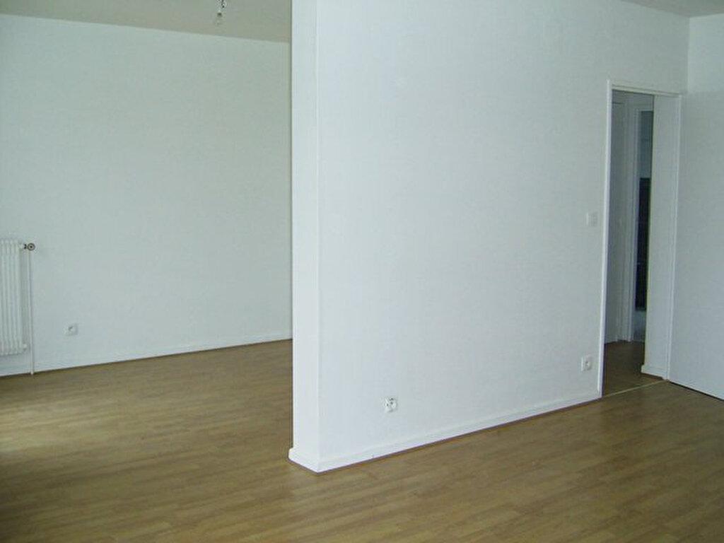Appartement à louer 6 101m2 à Serémange-Erzange vignette-5