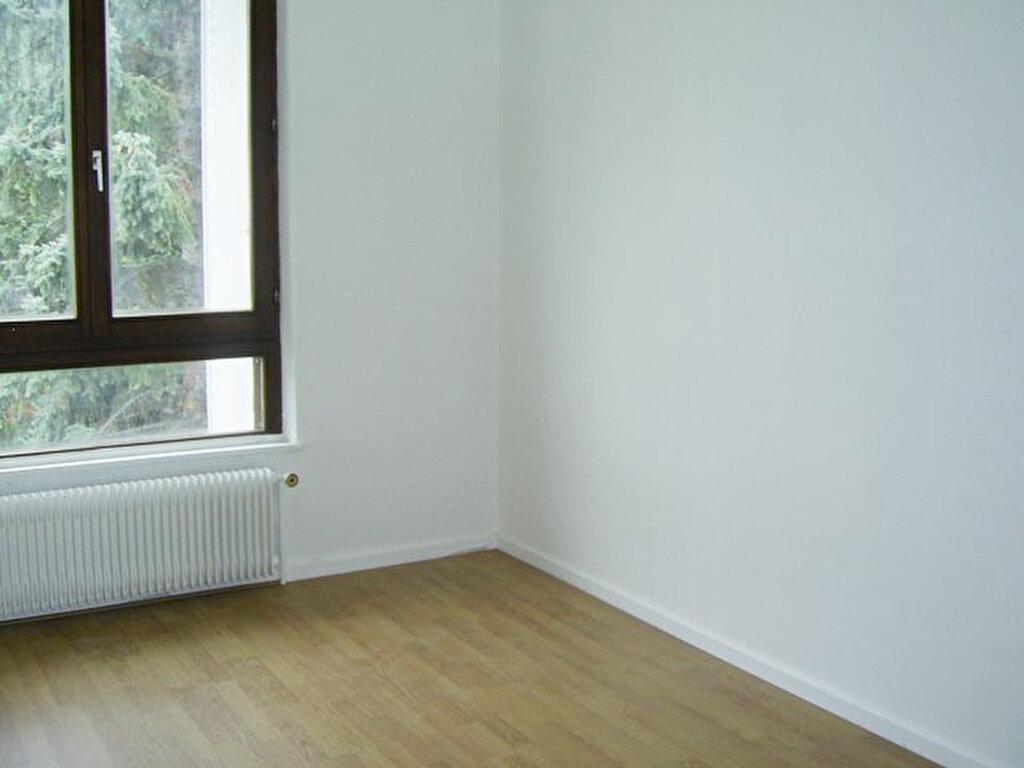 Appartement à louer 6 101m2 à Serémange-Erzange vignette-6