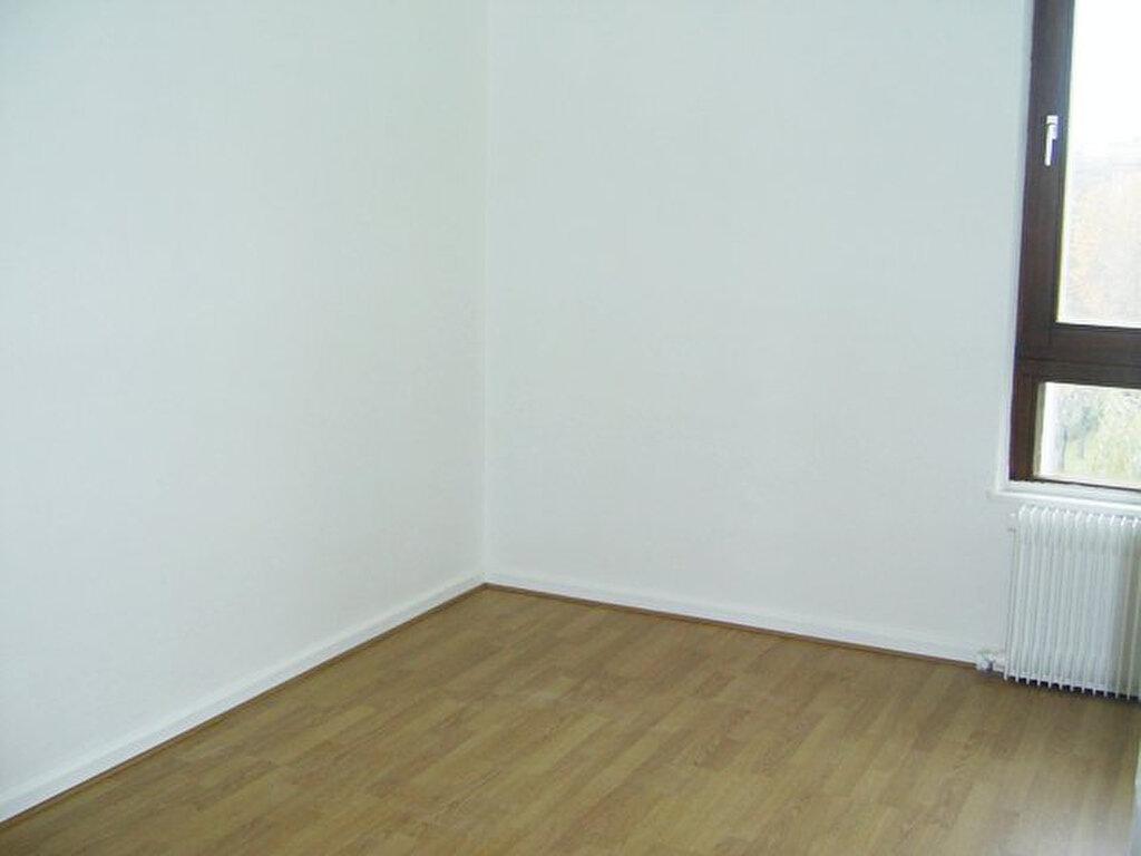 Appartement à louer 6 101m2 à Serémange-Erzange vignette-7