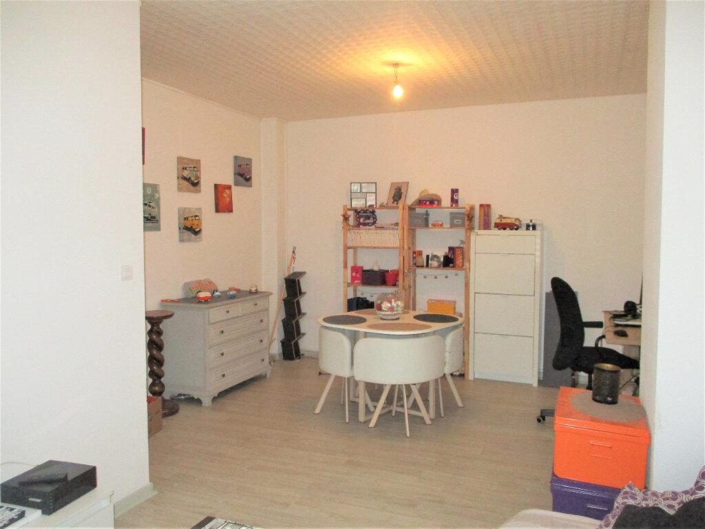 Appartement à louer 2 57m2 à Hayange vignette-2