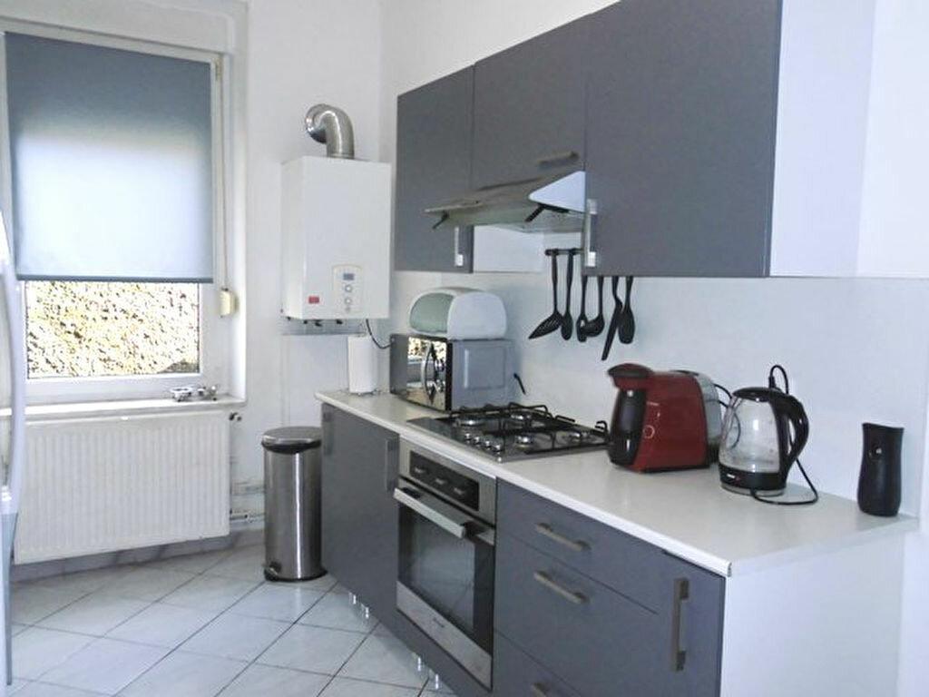Appartement à louer 3 57m2 à Hayange vignette-2