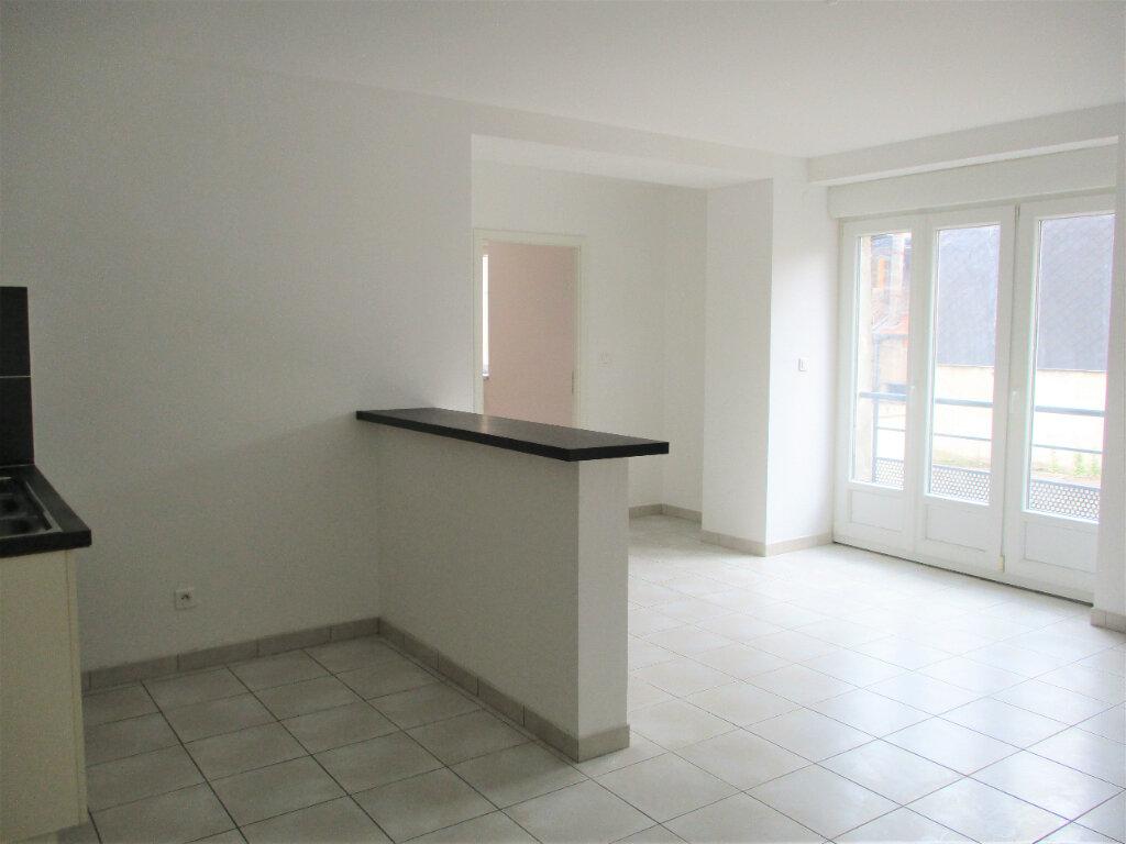 Appartement à louer 2 44m2 à Hayange vignette-1
