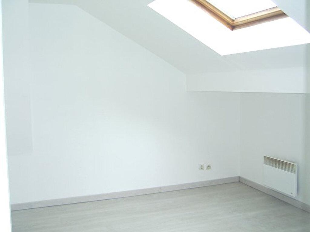 Appartement à louer 1 16m2 à Hayange vignette-1