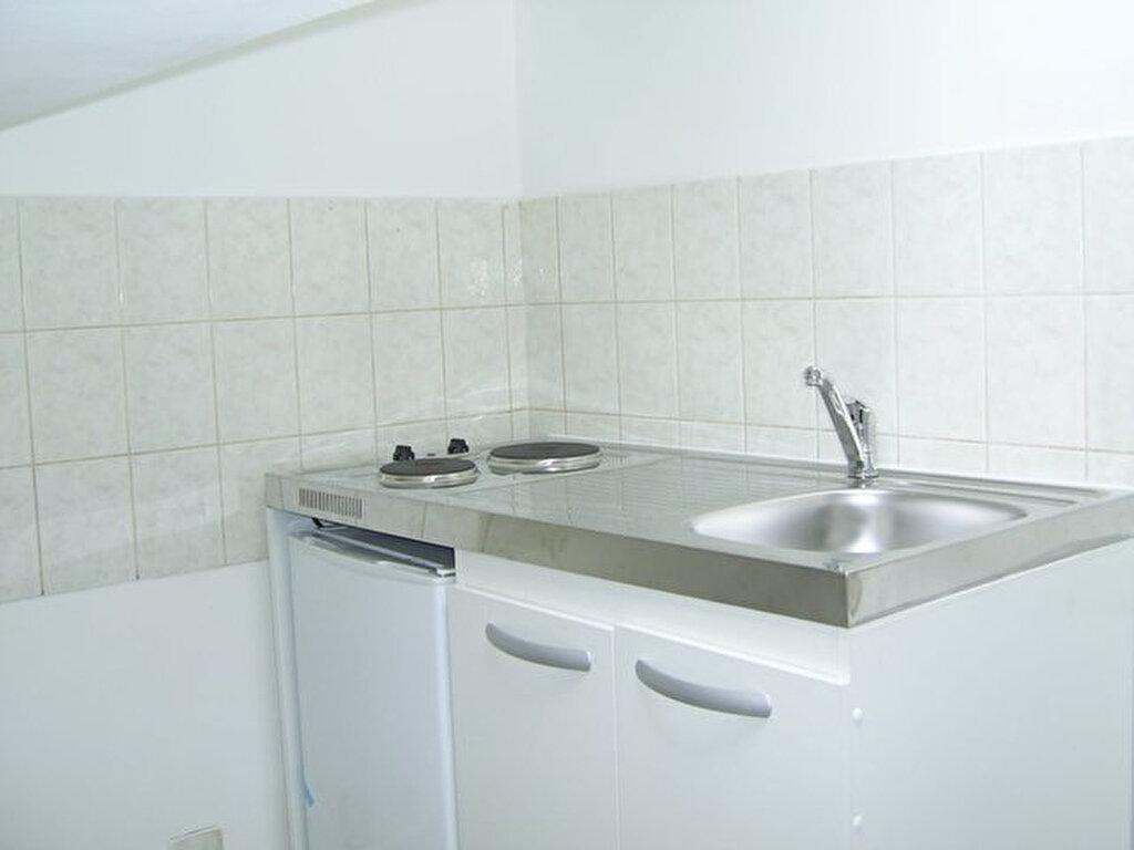 Appartement à louer 1 16m2 à Hayange vignette-2