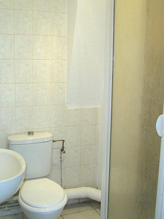 Appartement à louer 1 16m2 à Hayange vignette-3