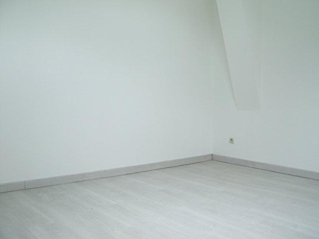 Appartement à louer 1 16m2 à Hayange vignette-4
