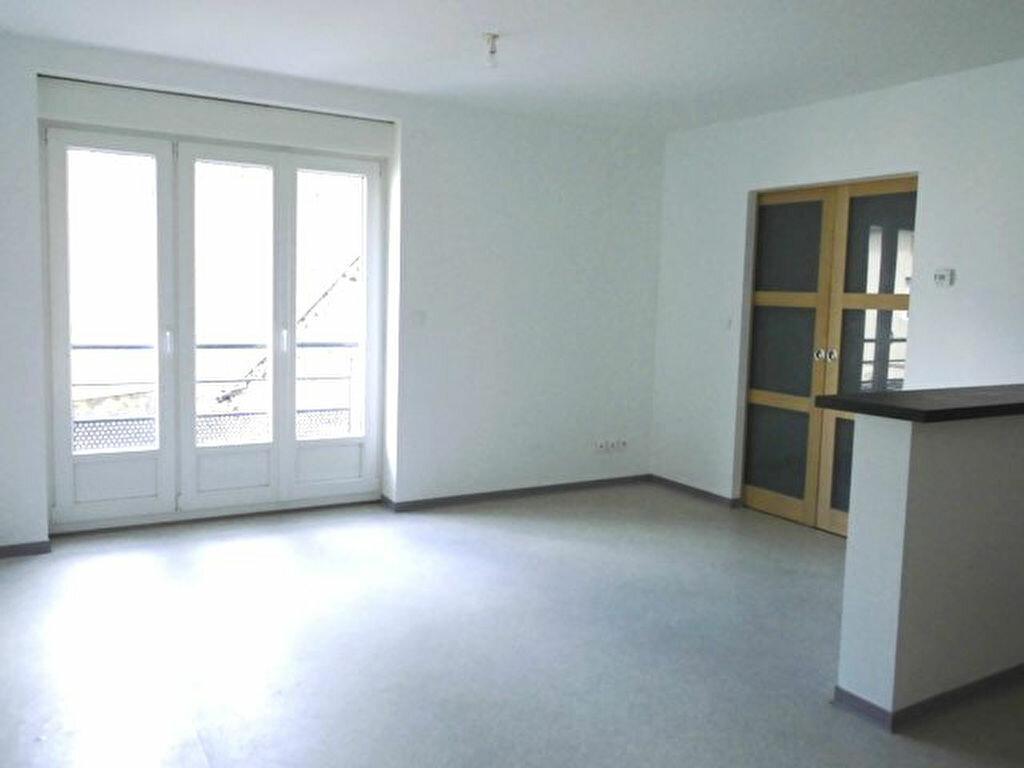Appartement à louer 1 36m2 à Hayange vignette-1