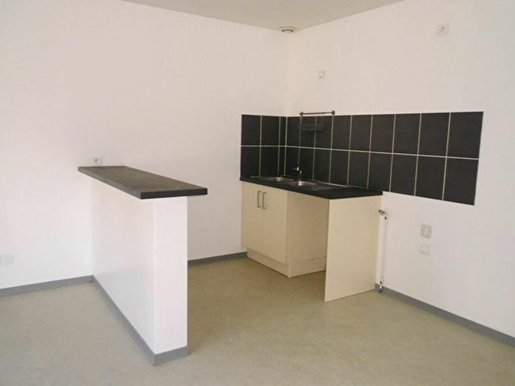 Appartement à louer 1 36m2 à Hayange vignette-2