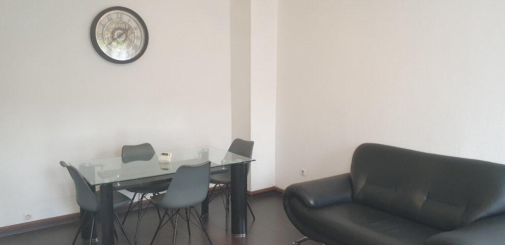 Appartement à louer 2 45m2 à Algrange vignette-3