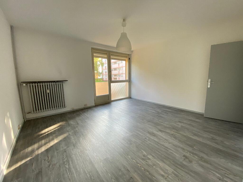 Appartement à louer 3 58m2 à Neufchef vignette-1