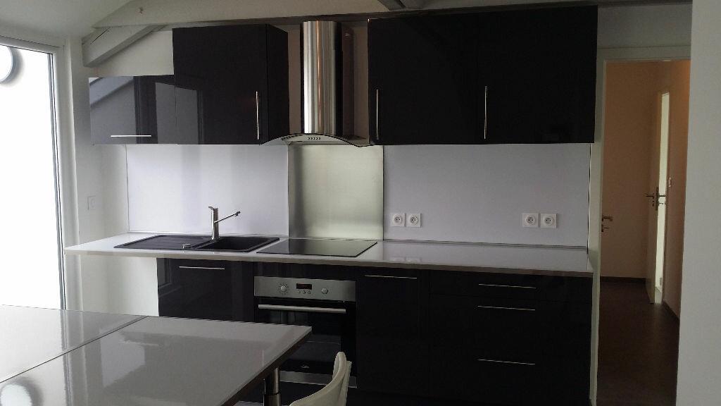 Appartement à louer 4 76m2 à Serémange-Erzange vignette-1