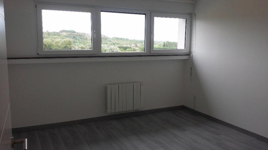 Appartement à louer 4 76m2 à Serémange-Erzange vignette-4