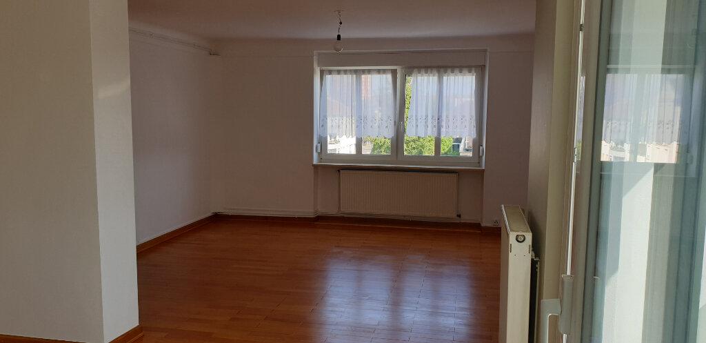 Appartement à louer 4 95m2 à Thionville vignette-1
