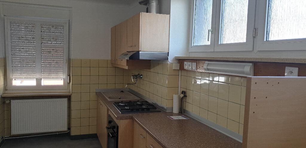 Appartement à louer 4 95m2 à Thionville vignette-3