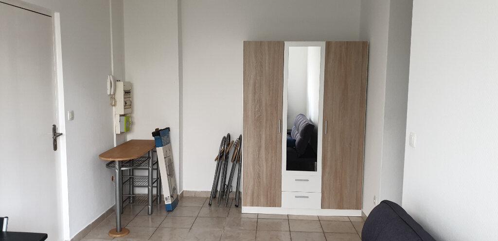 Appartement à louer 3 66m2 à Thionville vignette-3