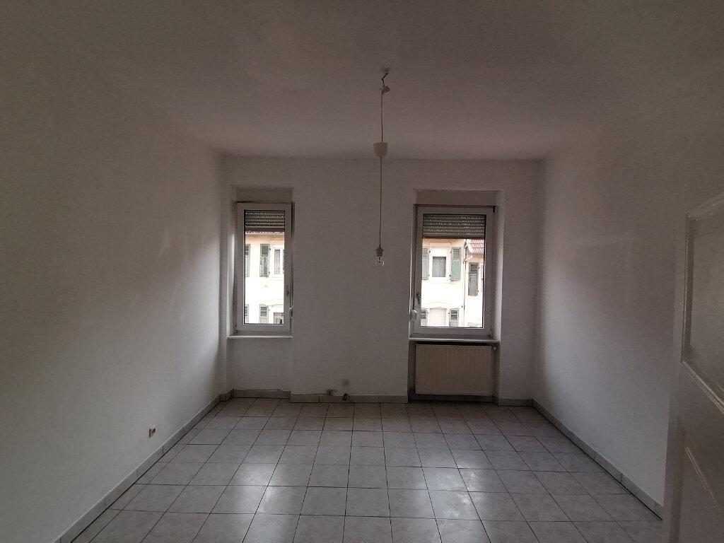 Appartement à louer 3 61.85m2 à Nilvange vignette-3